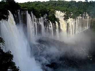 Kalandula Falls - Image: Kalandula waterfalls of the Lucala River in Malange, Angola (2)