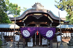 Kamigoryo Shrine140516NI2.JPG