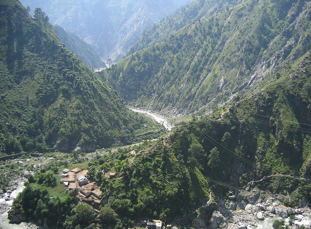 Kashmir Patnitop to Jawahar Tunnel views 110