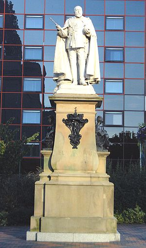 King Edward VII Memorial - The statue in 2013, after restoration