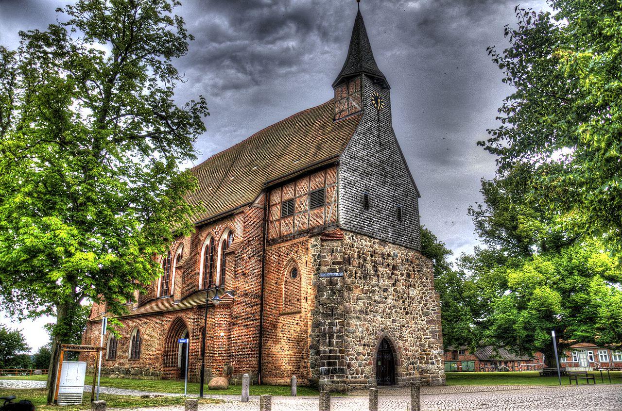 file klosterkirche in zarrentin am wikimedia commons. Black Bedroom Furniture Sets. Home Design Ideas