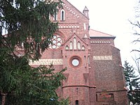 Kościół parafialny w Sycowie -widok od strony wejścia głównego.jpg