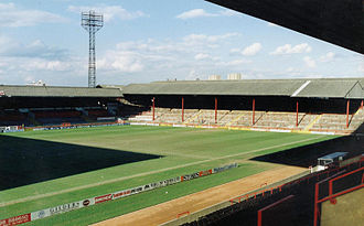 Bramall Lane - Bramall Lane in 1989. The old John Street Terrace (left) and Kop Terrace (right) are visible