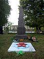 Krasne (Tyvrivsky rajon) WWWII Monument-1.jpg