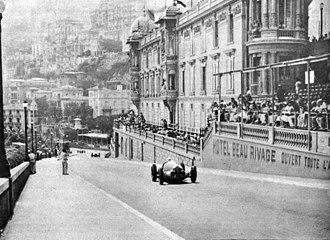 1937 Monaco Grand Prix - Image: L'ascension de la côte de Monte Carlo par Rudolf Caracciola (Grand Prix de Monaco 1937)