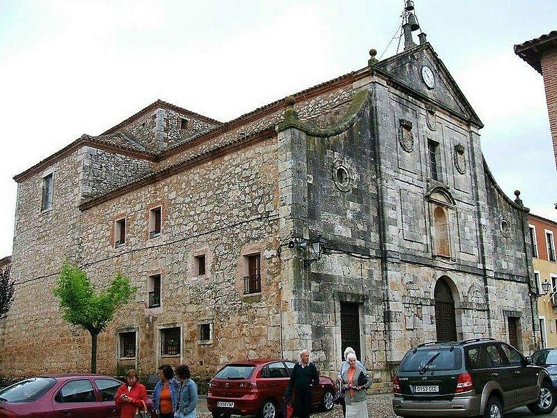 Lerma - antiguo monasterio de Santa Teresa, actual parroquia de San Juan 2.jpg