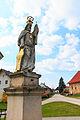 Lhota u Náhořan - sochy svatých u kříže na návsi4.jpg