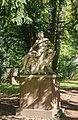 Liebieghaus, sculpture in the park, 2017-10-14.jpg