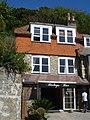 Lulworth Cove pub - panoramio.jpg