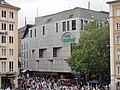 München, Kaufingerstraße — Galeria Kaufhof, Ansicht vom Balkon des Rathauses.JPG