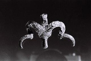 Pendeloque en forme de tête de mouflon (75.20.13)