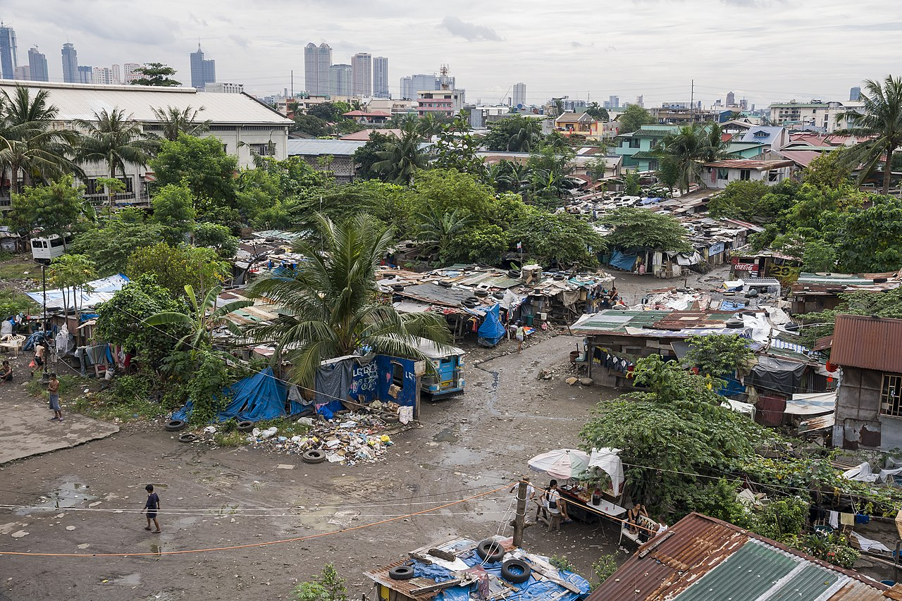 slums of manila Media captiondo we have to learn to live with slums watch paul mason's film from the philippines in full manila, philippines: the rich elite in cities across the world want to clear the slums which are now home to a billion people but many of those who live in shanty towns like that which lines.