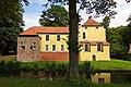 Maninga-Burg in Pewsum (Krummhörn) IMG 6654.jpg