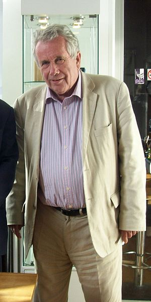 Martin Bell - Martin Bell at Hexham book festival in 2009