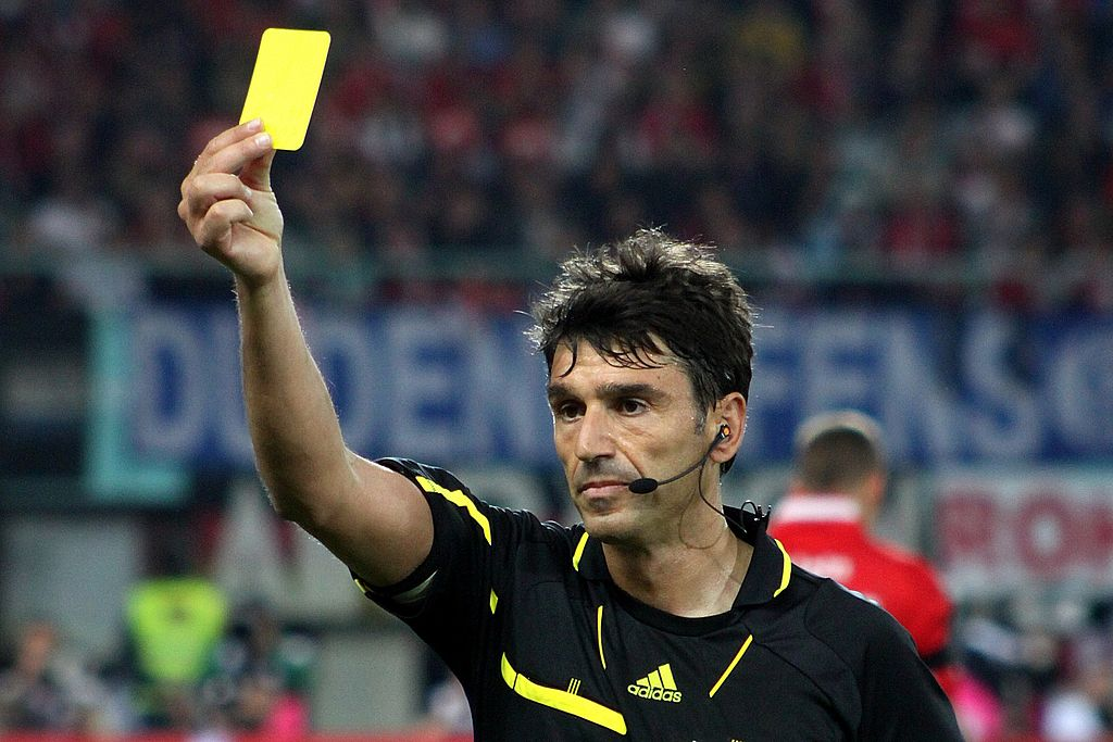 Referee (Massimo Busacca)
