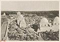 Medina el Baḳîʾ (heiliger Friedhof). Rechts- Ḳubbet el ʻabbāsîje. LCCN2014648772.jpg