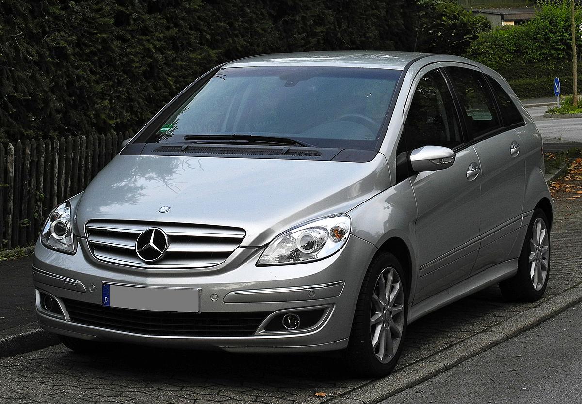 1200px-Mercedes-Benz_B_180_CDI_(T_245)_%E2%80%93_Frontansicht,_15._Juni_2011,_W%C3%BClfrath.jpg