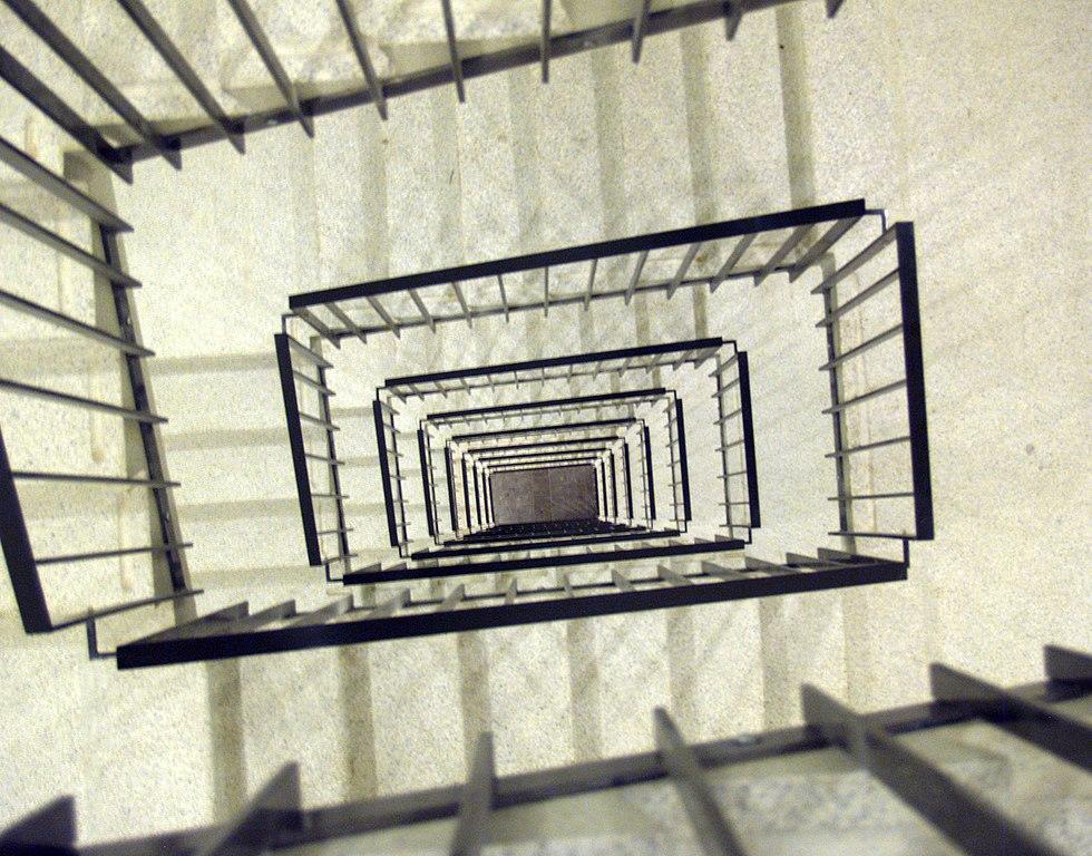 Escalier dans le bâtiment de Metropolis à Copenhague - Photo de seier+seier