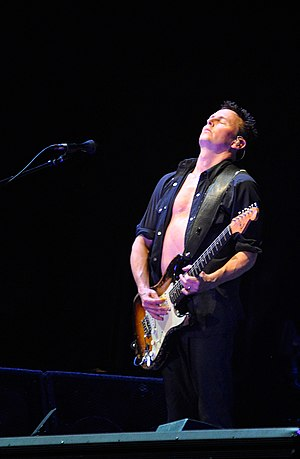 Mike McCready - McCready performing with Pearl Jam in 2009