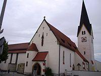 Mindelstetten im Landkreis Eichstätt, Pfarrkirche mit Erweiterungsbau.jpg