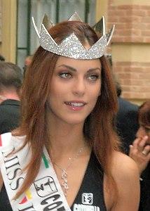 Miriam Leone Wikipedia