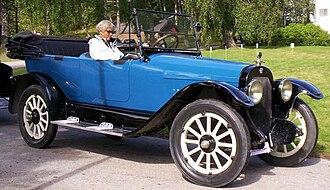 Mitchell (automobile) - Image: Mitchell Model E 40 Touring 1919