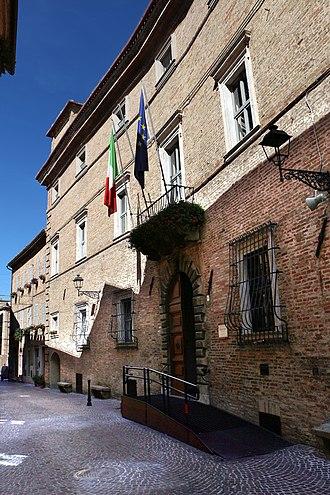 Mogliano - Image: Mogliano, comune (palazzo forti) 01