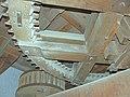 Molen Kerkhovense molen, maalkoppel steenschijf spoorwiel.jpg
