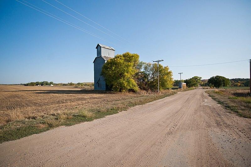 File:Monowi, Nebraska (8114842103).jpg