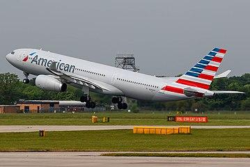N292AY American Airlines Airbus A330 (27428342412).jpg