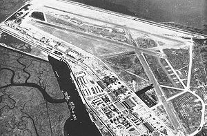 Oakland International Airport - Aerial view of NAS Oakland in the mid-1940s