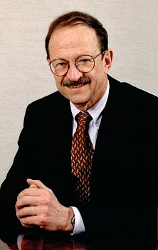 National Cancer Institute director Harold E. Varmus.jpg