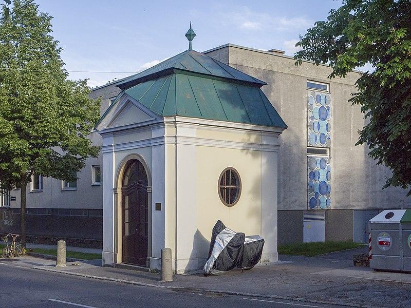 File:Nepomukkapelle Endresstraße 1.jpg