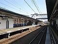 Odakyu-enoshima-line-Kugenuma-kaigan-station-platform-20110404.jpg