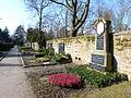 Oggersheim Friedhof mit Grabmal Eduard Damm.JPG