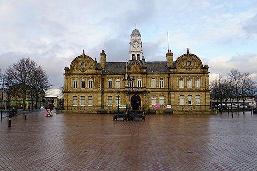Ossett Town Hall (geograph 5250873)