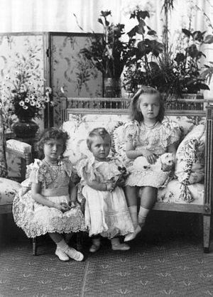 Grand Duchess Tatiana Nikolaevna of Russia - Grand Duchesses Tatiana, Maria and Olga in a formal portrait taken in 1900