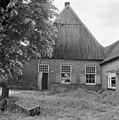 Overzicht van de voorgevel van de boerderij, rechts de boavenkamer - Haaksbergen - 20095246 - RCE.jpg