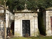 Père-Lachaise - Division 30 - Lanjuinais 15 (cropped).jpg