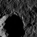 PIA20409-Ceres-DwarfPlanet-Dawn-4thMapOrbit-LAMO-image54-20160207.jpg