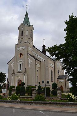 Padew Narodowa, Kościół parafialny.JPG