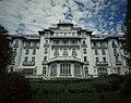 Palace (35973614220).jpg