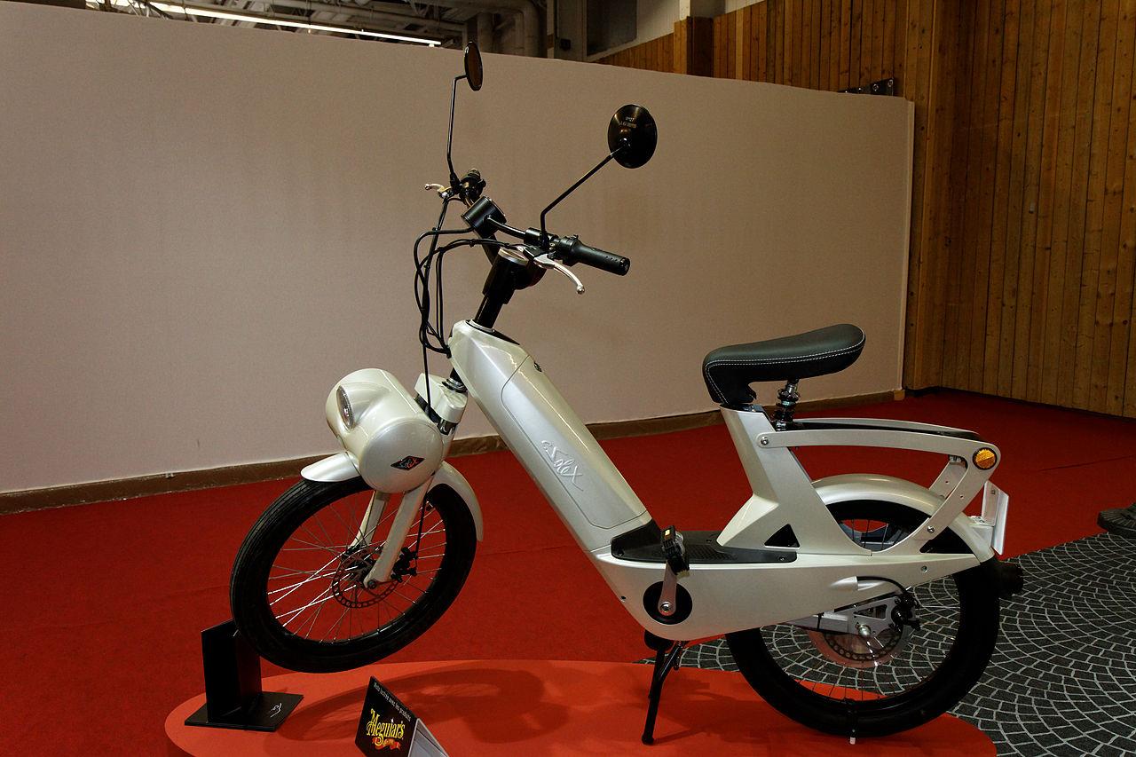 file paris salon de la moto 2011 velosolex lectrique wikimedia commons. Black Bedroom Furniture Sets. Home Design Ideas