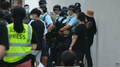 People stop and search outside Mong Kok Police Station 20200831.png