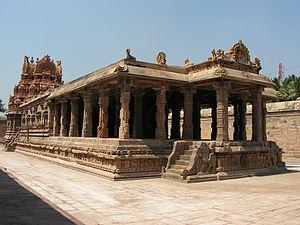 Airavatesvara Temple - Periya Nayaki, a smaller shrine
