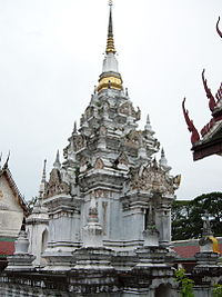 Phra Borom That Chaiya.jpg