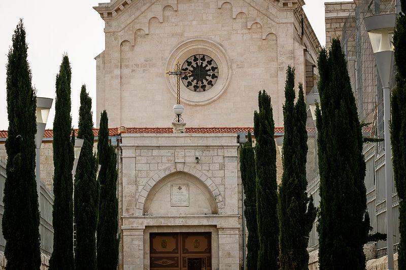 רמלה  העתיקה כניסה  לכנסייה