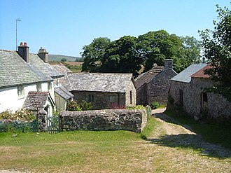 Dartmoor longhouse - Image: Pizwell geograph.org.uk 126716