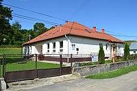 Pleš - Obecný úrad.jpg