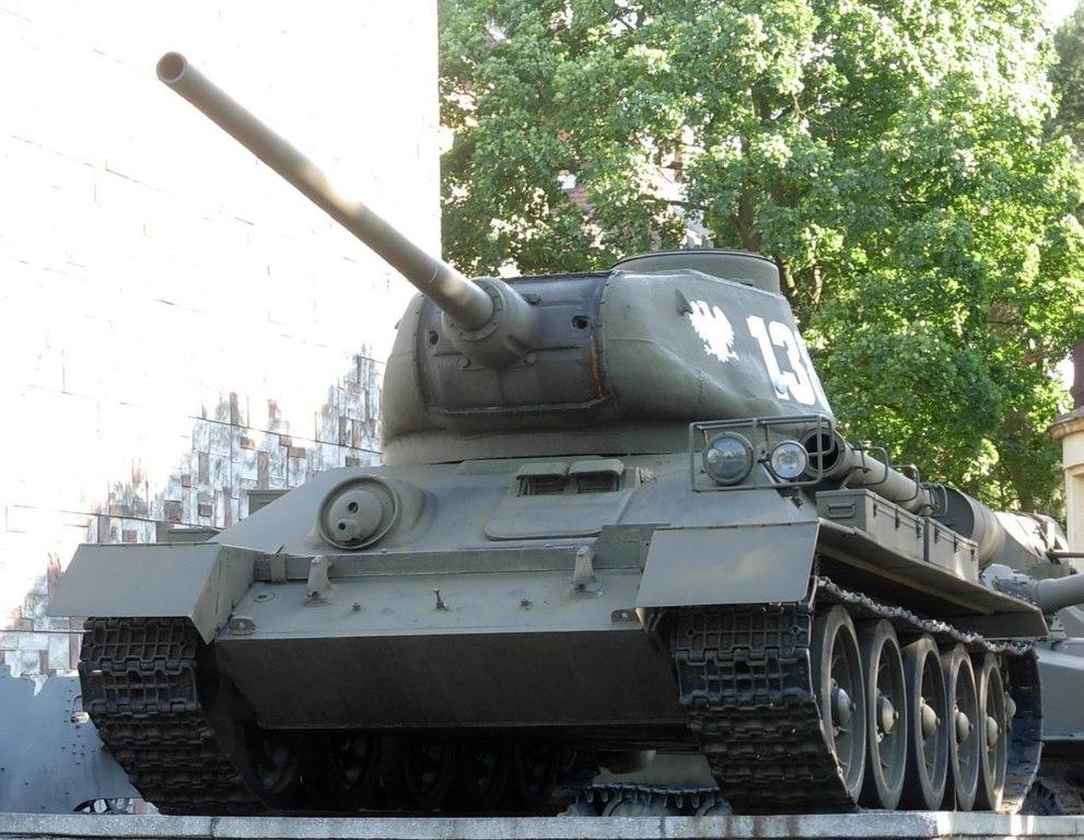 polish T-34-85M2